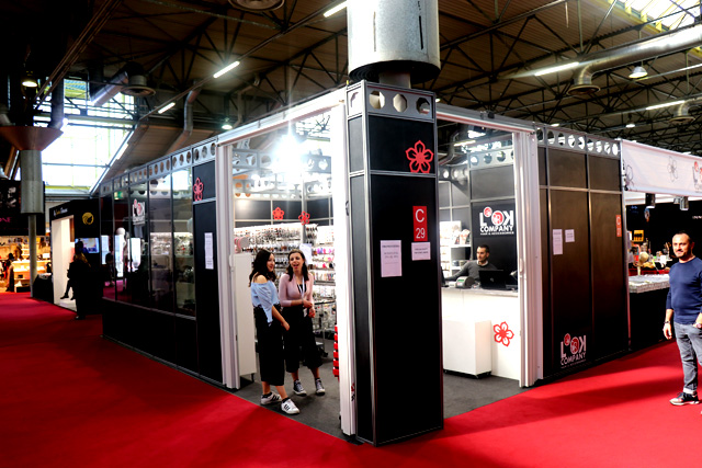 cosmoprof-stand